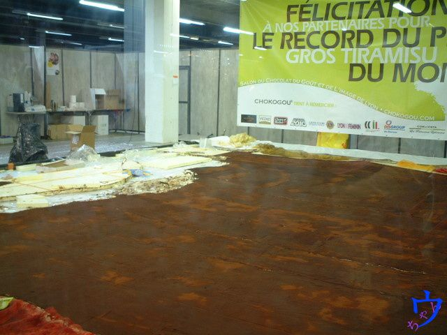 http://a6.idata.over-blog.com/0/54/59/14/Salon_du_chocolat_2009-Lyon/17-Le_plus_grand_tiramisu_du_monde.jpg